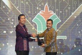 PTPN IV terima penghargaan