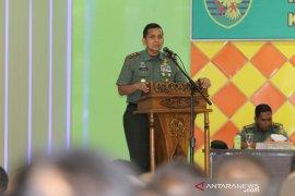 Pangdam Sriwijaya berangkatkan prajurit berprestasi umrah ke Tanah Suci