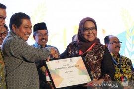 Bupati Bogor terima penghargaan BEA 2019 atas kesuksesan kembangkan wisata