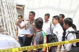 Polisi selidiki penyebab ambruknya atap pendapa kecamatan di Jember