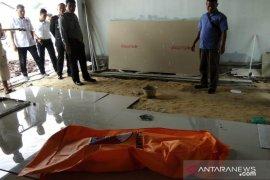 Warga Pekanbaru dihebohkan adanya buruh bangunan tewas kesetrum