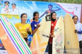Peselancar nasional dan mancanegara ramaikan Anyer Surfing Competition