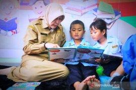 Bupati luncurkan perpustakaan ramah anak