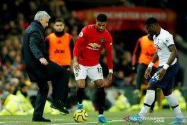 MU hentikan debut sempurna Mourinho bersama Tottenham
