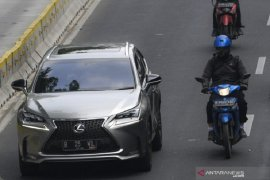 1.100 Mobil mewah masih nunggak pajak di Jakarta