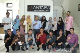 Mahasiswa UIN kunjungan media ke LKBN Antara Biro Aceh