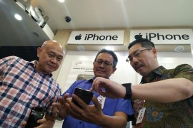 Resmi dijual di Indonesia, iPhone 11 dapat sambutan positif pasar Surabaya