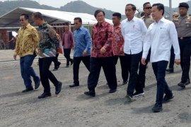 Resmikan Pabrik Polietilena, Presiden Berharap Indonesia Tak Lagi Impor Petrokimia
