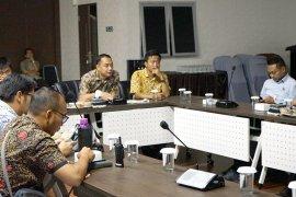 Bappeko Surabaya tindak lanjuti usulan perbaikan Stadion GBT
