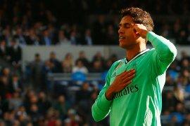 Real Madrid puncaki klasemen setelah kalahkan Espanyol 2-0