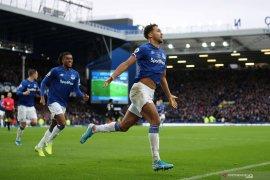 Kalahkan Chelsea 3-1, Everton tinggalkan zona degradasi