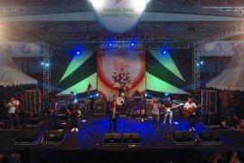 Undang grup musik Guyon Waton, Dinkes Kediri kampanyekan germas