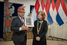 """Buku  """"Balinese Art Treasures"""" diluncurkan KBRI di Belanda"""