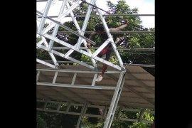 Tukang renovasi gereja  tersengat listrik  tewas di Barito Timur