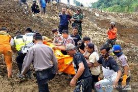 Akhirnya jasad pekerja galian pasir di Cianjur berhasil ditemukan setelah enam hari