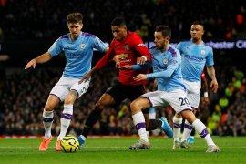 MU menyodok ke posisi lima usai menang di derby Manchester