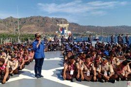 Ratusan pemuda Banyuwangi peroleh edukasi bela negara di atas KRI Surabaya