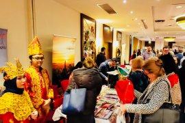 Rendang dan Batik curi perhatian di bazar amal Warsawa