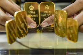 Emas berjangka naik tipis ditopang pelemahan dolar Amerika