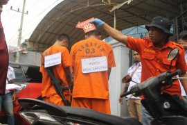 Polisi rekonstruksi pembunuhan pasutri di Tulungagung