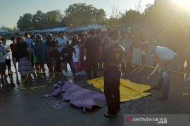 Mayat pria tanpa identitas ditemukan terdampar di Pantai Jakat