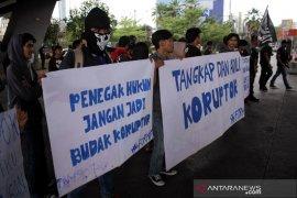 Aksi Hari Anti Korupsi Page 2 Small