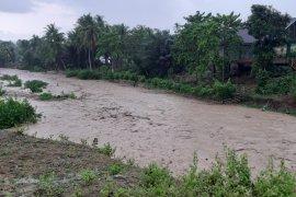 BMKG Gorontalo: waspadai hujan lebat dan petir pada 11-12 Desember