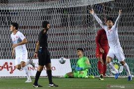 Jalannya pertandingan babak pertama, Indonesia tertinggal 0:1 dari Vietnam