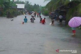Wilayah hulu Kalbar berpotensi curah hujan tinggi