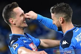 Napoli lolos Liga Champions, Arkadiusz Milik mencetak trigol