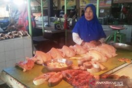 Harga daging ayam di Kutai Timur naik jelang natal