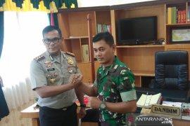 Anggota TNI bacok polisi akan diberi sanksi sesuai ketentuan