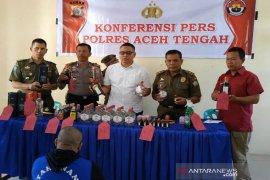 Simpan miras, pemilik cafe di Aceh Tengah ditahan