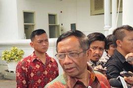 Korupsi besar belum terjamah, Jokowi minta Mahfud ikut kawal berantas