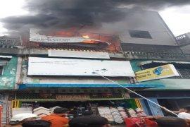 Toko material bangunan terbakar di Tebing Tinggi