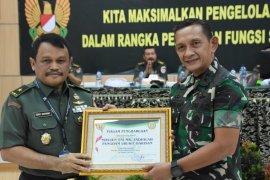 Pangdam I/BB terima penghargaan Disjarahad