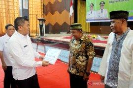 Guru ngaji dan petugas fardhu kifayah Kubu Raya terima insentif
