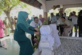 TP PKK Aceh ziarah ke Makam Keumalahayati