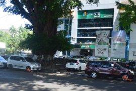 Melanggar rambu larangan parkir, Dishub  Mataram gembok kendaraan