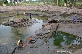 Penelitian struktur bangunan situs Sumberbeji