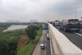 Tol Layang Japek II arah Cikampek beroperasi normal