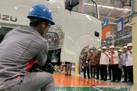Jokowi targetkan ekspor produk otomotif Indonesia capai 1 juta unit pada 2024