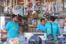 Pegawai PLN serbu pasar raya Padang, sambangi pelanggan
