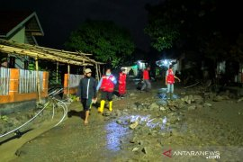 PMI terjunkan personel dan peralatan bantu korban banjir Sigi
