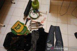 Kejar pembobol ATM di Aceh Utara polisi temukan pistol mainan