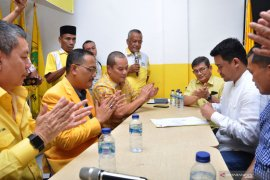 Bobby Nasution kembalikan formulir bakal calon Wali Kota Medan ke Golkar (video)