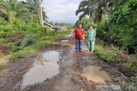 Masyarakat Sibara-bara Tapsel harap ruas jalan mereka diperbaiki
