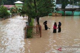 387 murid SDITdi Solok Selatan tidak bisa ujian karena banjir