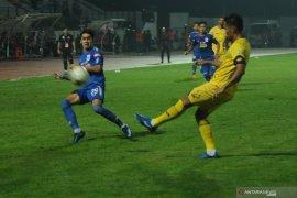 Madura United permalukan PSIS 3-2