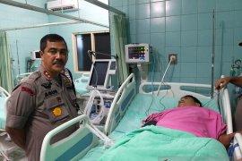 Kapolda Sumut jenguk jurnalis TVRI Salomo Tobing yang mengalami kecelakaan